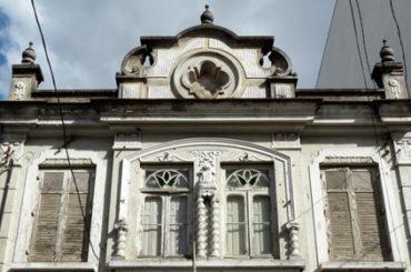 Sobrado Descaracterizado – Rua Hannemann, 170