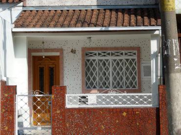 Casa – Rua Guaratinguetá, 42