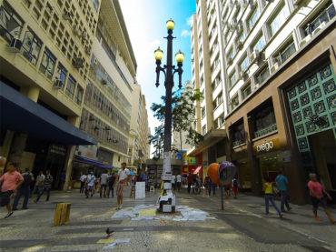 Vandalismo e humilhação nos antigos postes de iluminação