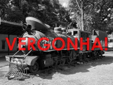 Locomotiva histórica apodrece em Guarulhos